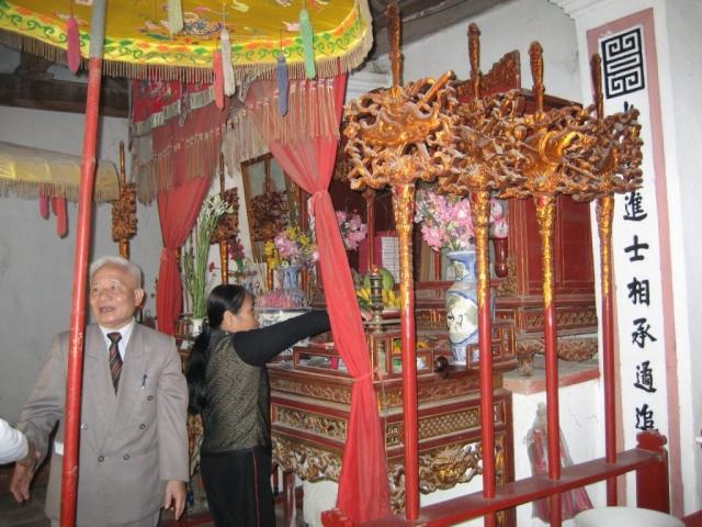 Ảnh ban thờ cụ Phan Huy Cẩn
